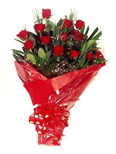 12 adet kirmizi gül buketi  Adana çiçek siparişi çiçekçiler