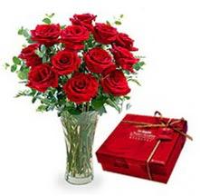 Adana çiçek gönder çiçekçi mağazası  10 adet cam yada mika vazoda gül çikolata