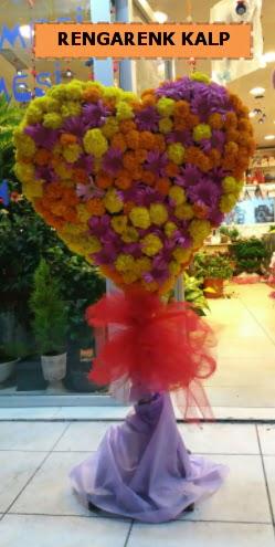 Ankara mevsim çiçeklerinden kalp perförje  Adana çiçek yolla çiçekçi telefonları