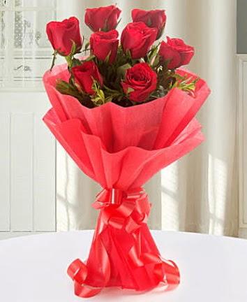 9 adet kırmızı gülden modern buket  Adana çiçek yolla İnternetten çiçek siparişi
