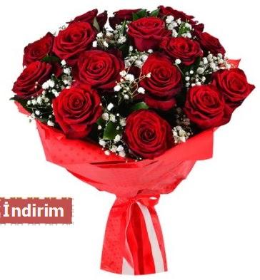 12 Adet kırmızı aşk gülleri  Adana çiçek yolla çiçek satışı