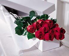 Adana çiçek yolla çiçek satışı  özel kutuda 12 adet gül