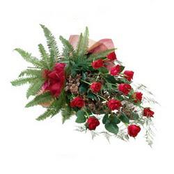 Adana çiçek siparişi online çiçek gönderme sipariş  10 adet kirmizi gül özel buket çiçek siparisi