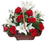 sepette gül ve kazablankalar   Adana çiçek gönder çiçekçi mağazası