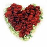 kalp biçiminde 15 gülden   Adana çiçek siparişi güvenli kaliteli hızlı çiçek