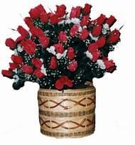 yapay kirmizi güller sepeti   Adana çiçek siparişi kaliteli taze ve ucuz çiçekler