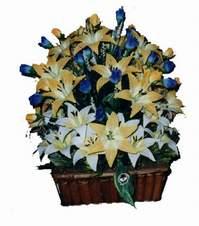 yapay karisik çiçek sepeti   Adana çiçek yolla çiçek gönderme