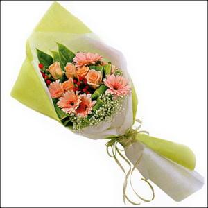 sade güllü buket demeti  Adana çiçek gönder çiçekçi mağazası