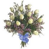 bir düzine beyaz gül buketi   Adana çiçek yolla çiçek gönderme sitemiz güvenlidir