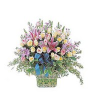 sepette kazablanka ve güller   Adana çiçek yolla çiçek gönderme