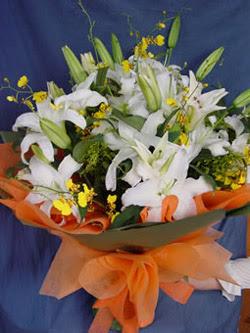 Adana çiçek gönder internetten çiçek satışı  5 ADET KAZABLANKA BUKETI KALITEDEN SASMAYANLARA