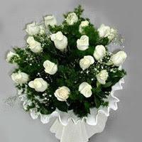 Adana çiçek gönder hediye çiçek yolla  11 adet beyaz gül buketi ve bembeyaz amnbalaj