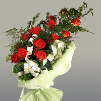 Adana çiçek gönder ucuz çiçek gönder  11 adet kirmizi gül buketi sade haldedir