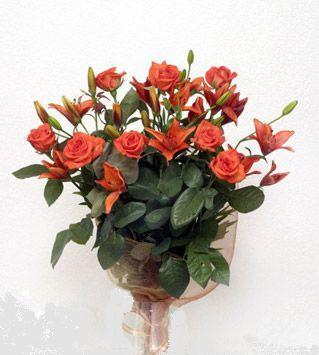 9 adet gül ve 3 adet lilyum çiçegi buketi   Adana çiçek siparişi cicek , cicekci