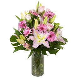 vazo içerisinde karisik mevsim çiçekleri  Adana çiçek siparişi internetten çiçek siparişi