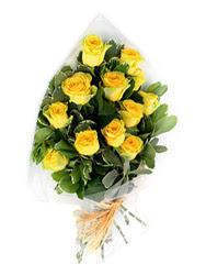 Adana çiçek siparişi güvenli kaliteli hızlı çiçek  12 li sari gül buketi.