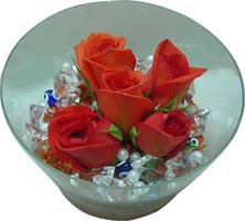 Adana çiçek siparişi 14 şubat sevgililer günü çiçek  5 adet gül ve cam tanzimde çiçekler