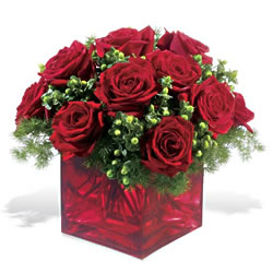 Adana çiçek yolla çiçek yolla  9 adet kirmizi gül cam yada mika vazoda