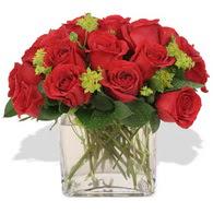 Adana çiçek yolla çiçekçi telefonları  10 adet kirmizi gül ve cam yada mika vazo