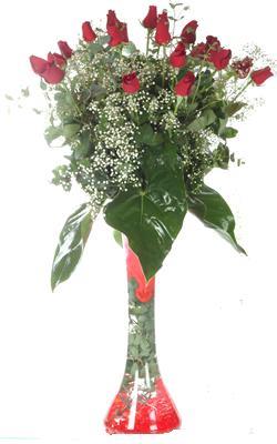 Adana çiçek siparişi uluslararası çiçek gönderme  19 ADET GÜL VE FIL CAM AYAGI