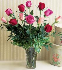Adana çiçek siparişi çiçek mağazası , çiçekçi adresleri  12 adet karisik renkte gül cam yada mika vazoda