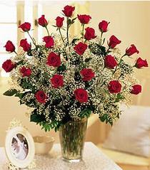 Adana çiçek gönder çiçek , çiçekçi , çiçekçilik  özel günler için 12 adet kirmizi gül