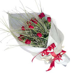 Adana çiçek siparişi yurtiçi ve yurtdışı çiçek siparişi  11 adet kirmizi gül buket- Her gönderim için ideal