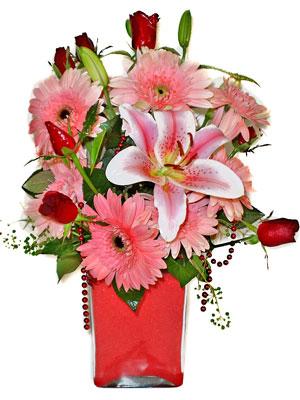 Adana çiçek siparişi cicek , cicekci  karisik cam yada mika vazoda mevsim çiçekleri mevsim demeti