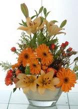 Adana çiçek siparişi çiçek servisi , çiçekçi adresleri  cam yada mika vazo içinde karisik mevsim çiçekleri