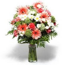 Adana çiçek siparişi çiçekçiler  cam yada mika vazo içerisinde karisik demet çiçegi