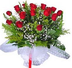 Adana çiçek yolla çiçek satışı  12 adet kirmizi gül buketi esssiz görsellik