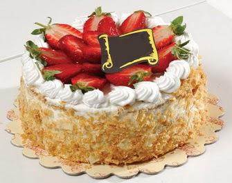 uygun pastaneler 4 ile 6 kisilik çilekli yas pasta lezzetli  Adana çiçek siparişi çiçek siparişi vermek