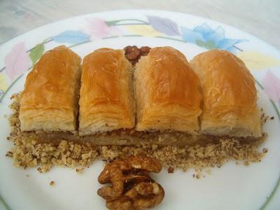 online pastane Essiz lezzette 1 kilo cevizli baklava  Adana çiçek siparişi cicek , cicekci