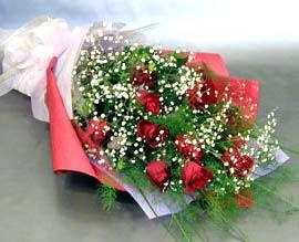 10 adet kirmizi gül çiçegi gönder  Adana çiçek siparişi anneler günü çiçek yolla