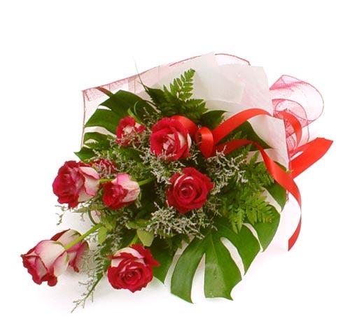 çiçek gönder 7 adet kirmizi gül buketi  Adana çiçek siparişi kaliteli taze ve ucuz çiçekler