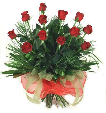 Çiçek yolla 12 adet kirmizi gül buketi  Adana çiçek siparişi güvenli kaliteli hızlı çiçek