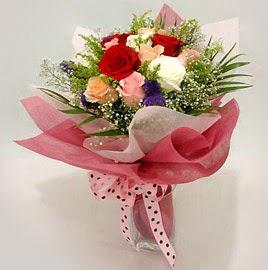 Karisik renklerde 11 adet gül buketi  Adana çiçek yolla çiçek gönderme