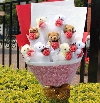 Adana çiçek siparişi çiçek siparişi vermek  9 adet ayicik ve 9 adet yapay gül