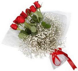 7 adet essiz kalitede kirmizi gül buketi  Adana çiçek siparişi hediye sevgilime hediye çiçek