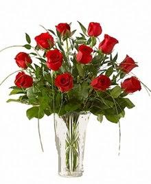 cam yada mika vazo içerisinde 9 kirmizi gül  Adana çiçek gönder çiçek siparişi sitesi