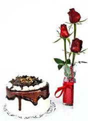 Adana çiçek siparişi çiçek siparişi vermek  vazoda 3 adet kirmizi gül ve yaspasta
