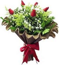 Adana çiçek siparişi online çiçek gönderme sipariş  5 adet kirmizi gül buketi demeti
