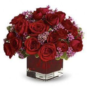 11 adet kırmızı gül vazosu  Adana çiçek siparişi çiçekçiler