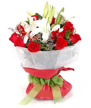 Adana çiçek gönder hediye çiçek yolla  1 dal kazablanka 11 adet kırmızı gül buketi