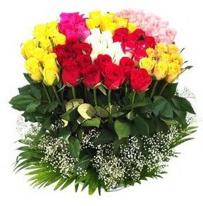 Adana çiçek siparişi çiçek mağazası , çiçekçi adresleri  51 adet renkli güllerden aranjman tanzimi