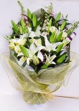 Adana çiçek siparişi çiçek servisi , çiçekçi adresleri  3 adet kazablankalardan görsel buket çiçeği