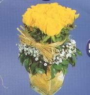 Adana çiçek siparişi anneler günü çiçek yolla  Cam vazoda 9 Sari gül