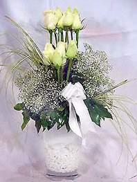 Adana çiçek siparişi online çiçek gönderme sipariş  9 adet vazoda beyaz gül - sevdiklerinize çiçek seçimi