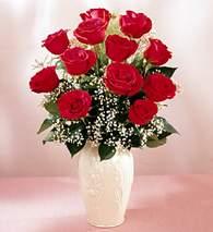 Adana çiçek gönder çiçekçi mağazası  9 adet vazoda özel tanzim kirmizi gül