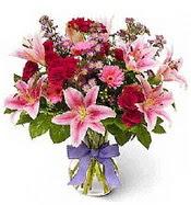 Vazo içerisinde karışık mevsim çiçeği  Adana çiçek gönder çiçek siparişi sitesi